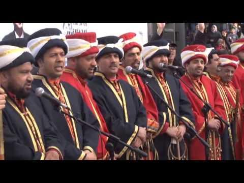 Başbakan'a özel beste yapan mehter takımı Taksim'de 'Dikdur Eğilme İnananlar Seninle