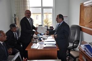 Belediye Başkanı Samur, Mazbatasını Aldı