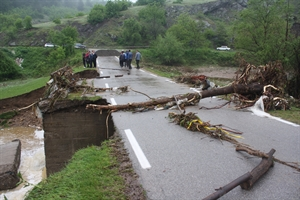 Bulgaristan da Yıkılan Köprü Can Kaybına Neden Oldu