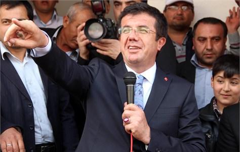 Nihat Zeybekci: Faiz büyümeyi desteklemiyor