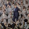 Obama, Amerikan Askerleriyle Poz Verdi