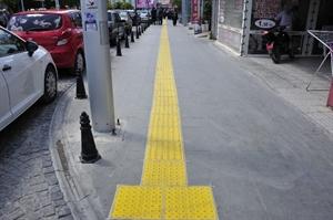 Karaman da Görme Engelliler İçin Yürüme Yolları Yapılıyor