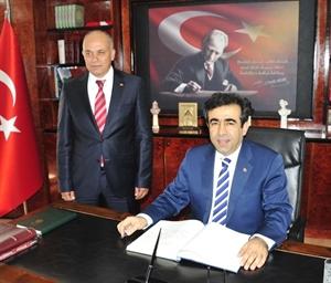 Mersin Valisi Güzeloğlu ndan, Başkan Çalışkan a Ziyaret